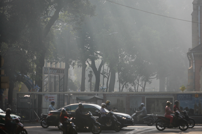 saigon-in-the-slow-dance-of-fog-2