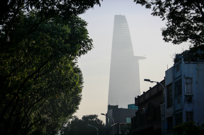 saigon-in-the-slow-dance-of-fog-4