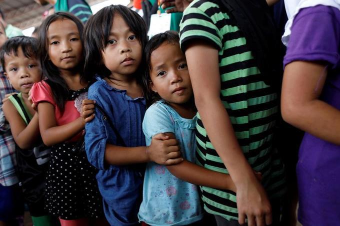 Vietnam pledges rice to newly freed Filipinos in terror-hit Marawi