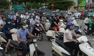 Motorbike culture eclipses delayed public transport in Vietnam's capital