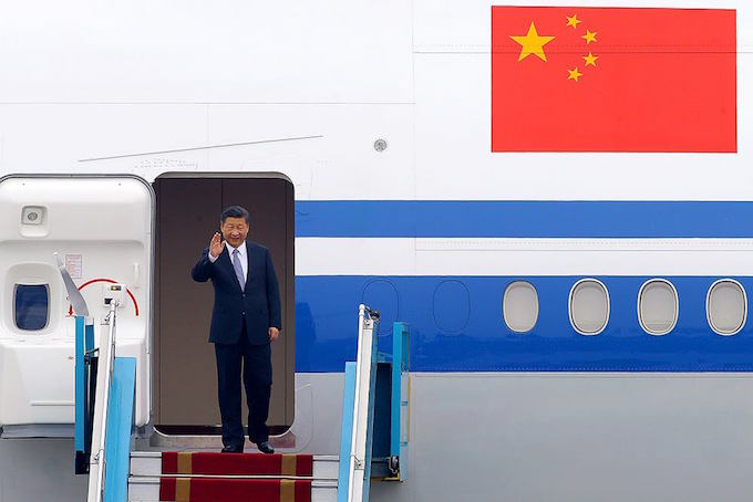 Chinas President Xi Jinping touches down in Hanoi. Photo by VnExpress