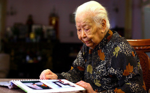 Woman who gave Hanoi 5,000 ounces of gold to fight the French to be given official funeral