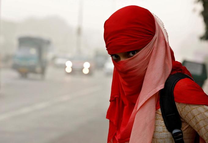 Parents angry as Delhi schools reopen despite smog
