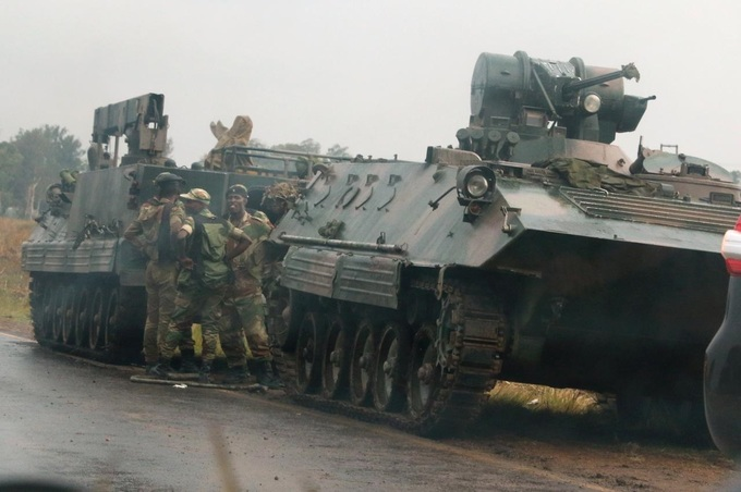 Zimbabwe's army seizes power, Mugabe confined but 'safe'