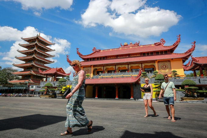 saigon-pagoda-gets-a-facelift-to-host-relics-of-buddhist-monk-who-set-himself-on-fire-ed