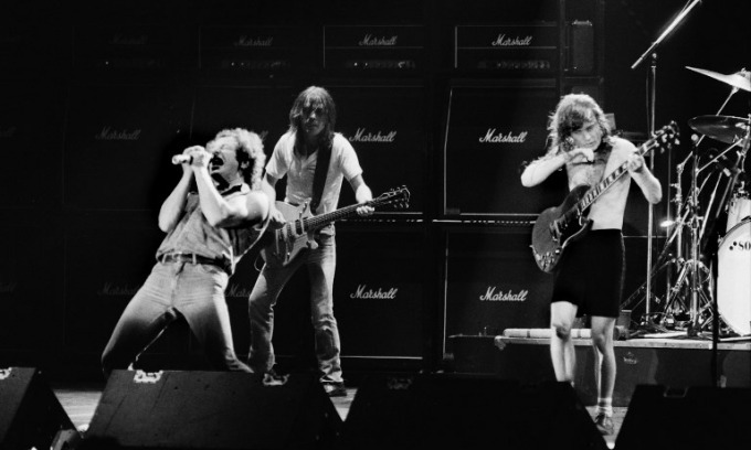 Australians mourn loss of AC/DC's Malcolm Young