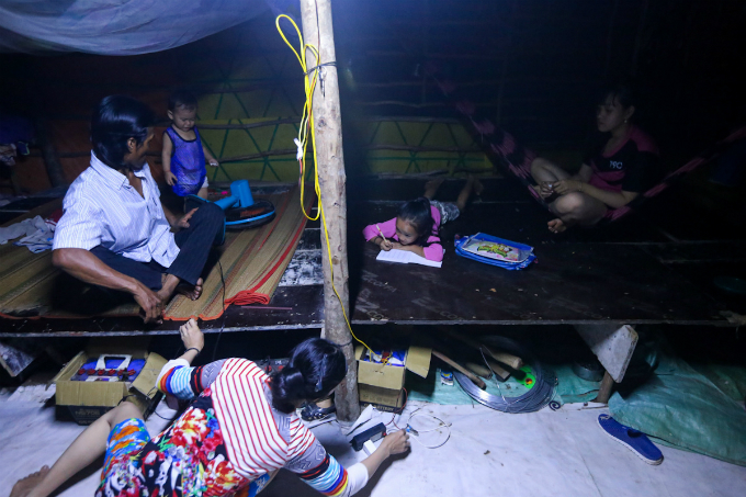 in-saigons-backyard-migrants-eke-out-a-living-on-the-edge-of-civilization-10