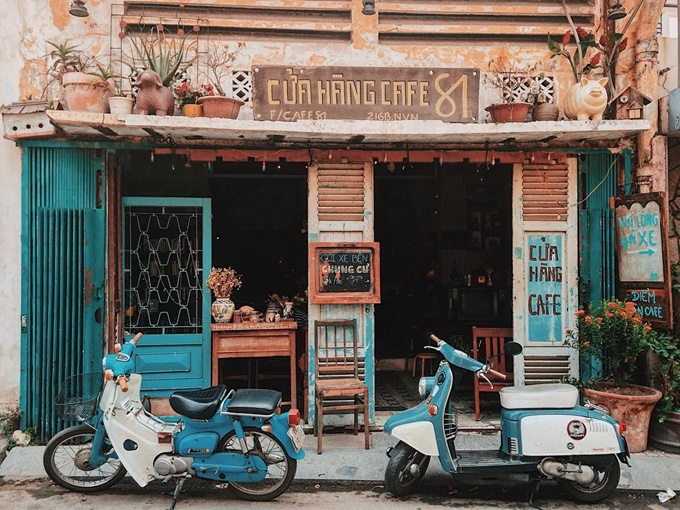 7-saigon-cafes-that-offer-a-ride-back-in-time