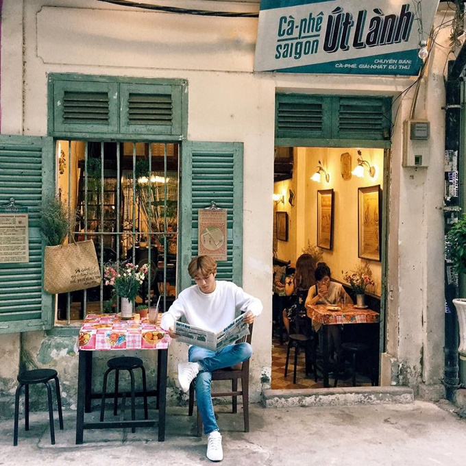 7-saigon-cafes-that-offer-a-ride-back-in-time-2