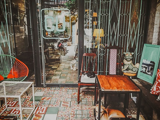 7-saigon-cafes-that-offer-a-ride-back-in-time-6