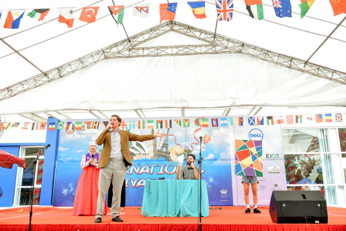 school-festival-celebrates-culture-and-charity-in-hanoi-2