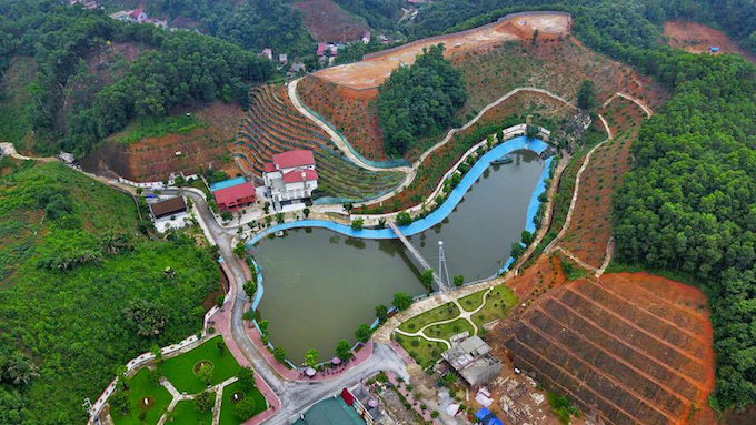 Birds eye view of Pham Sy Quys massive villa complex in Yen Bai Province. Photo by VnExpress/Giang Huy