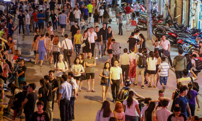 Saigon stretches its legs with new walking streets plan in backpacker district