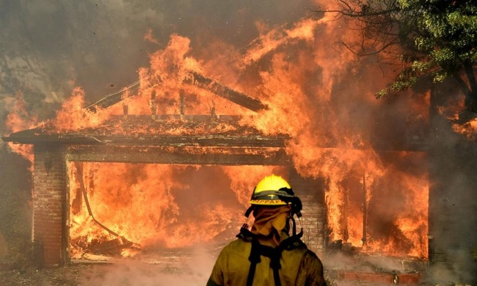 Hundreds of homes destroyed by out-of-control California wildfire