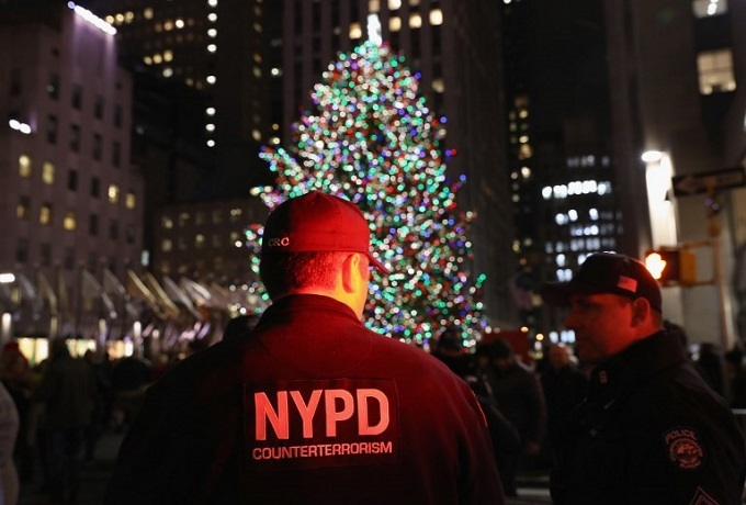New York bombing heightens fears of holiday attacks