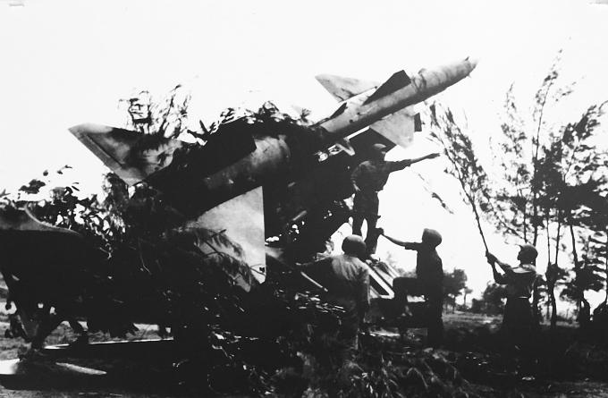 hanoi-exhibition-remembers-christmas-bombings-of-1972-3