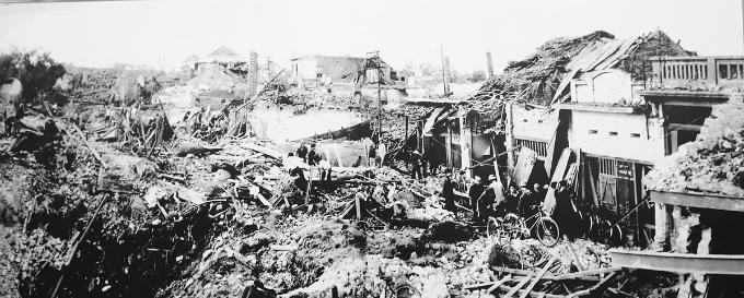 hanoi-exhibition-remembers-christmas-bombings-of-1972-9