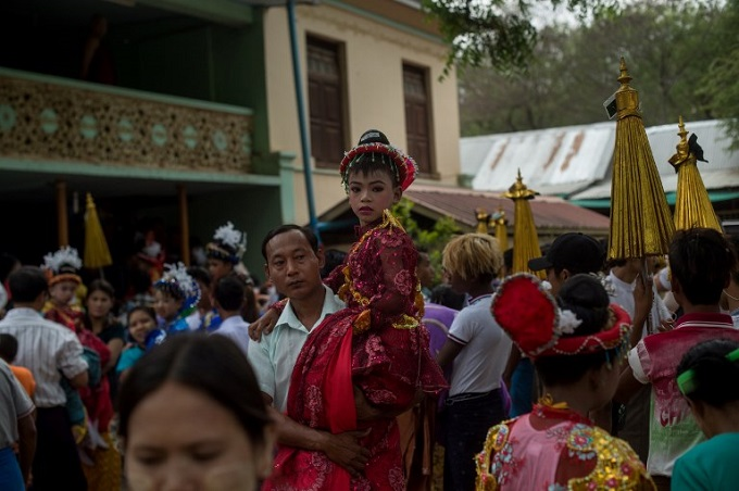 myanmars-child-monks-become-royalty-for-a-day-2