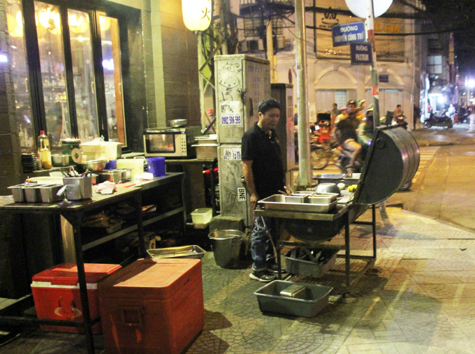 Another eatery takes over the Nguyen Cong Tru-Pasteur corner.