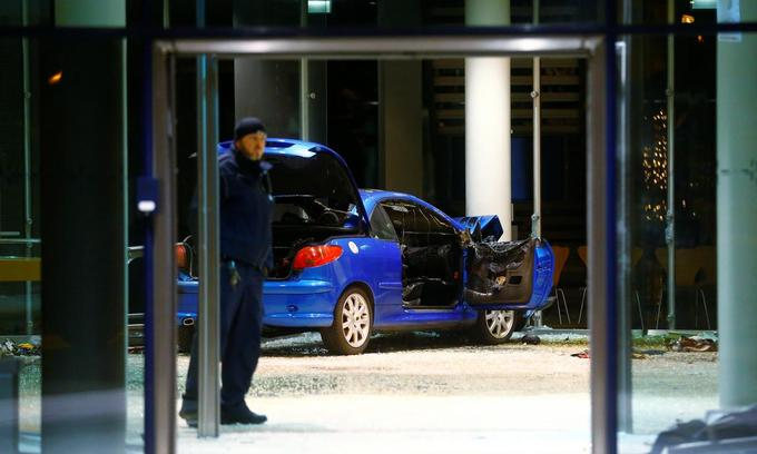 Driver rams German party headquarters in apparent suicide bid