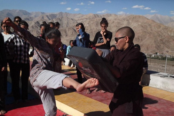 Buddhist nuns in Indias remote Himalayan region of Ladakh teach around 100 girls and young women the martial art of Kung Fu amid rising reports of rape in India. Taken on Aug 18, 2017. Photo by Thomson Reuters Foundation/Nita Bhalla
