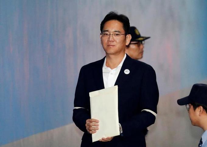 South Korea prosecutors seek 12 years jail for Samsung heir Lee in corruption case
