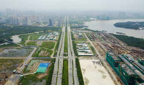 Once completed, the four roads are expected to boost the development of Thu Thiem New Urban Area. Photo by VnExpress/Quynh Tran.