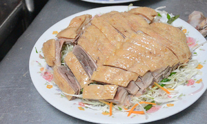 Dip your beak at this Saigon duck noodle restaurant that opens for just an hour a day