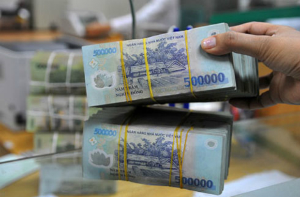 Vietnamese PM asks banking sector to cut interest rates to spur economic growth