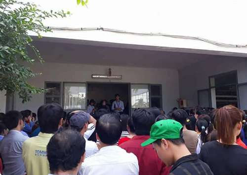 600 workers go on strike in Saigon after S Korean director disappears owing wages
