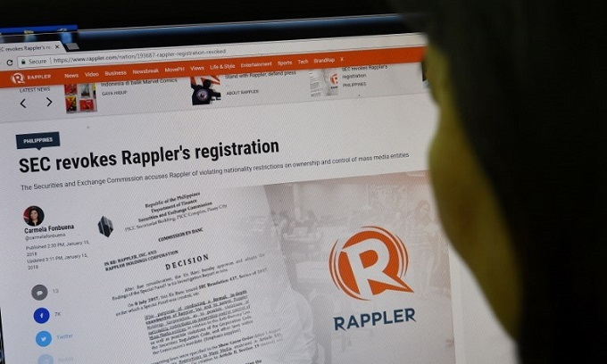 Duterte under fire as Philippines moves to close news website Rappler