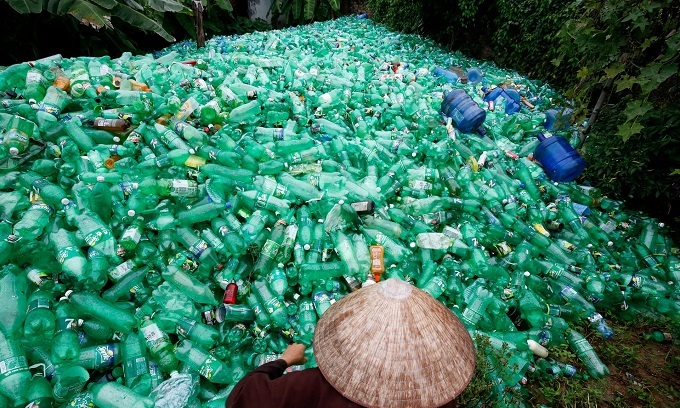 Vietnam, Southeast Asian plastic recyclers hope to clean up after China ban