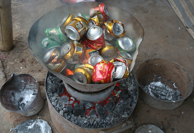 Most of the material used for cooking pots is beer and coke cans.