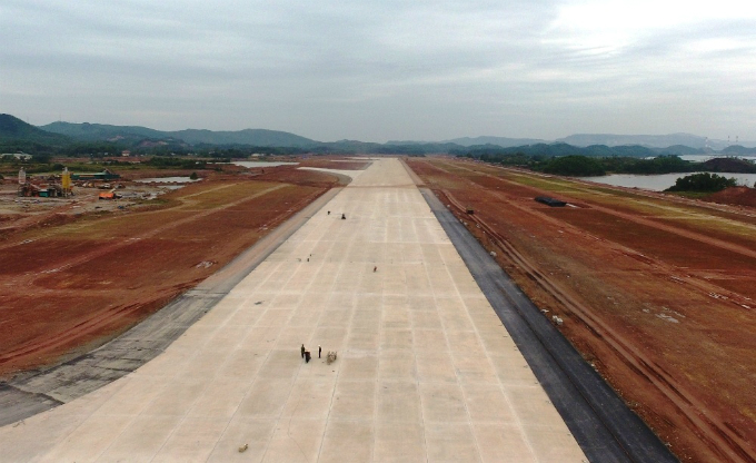 The airport is designed to host four aircraft of Boeing B777 size at a time in 2020, and seven by 2030. Pictured is its future runway of 45 meters wide and 3.6 kilometers long.