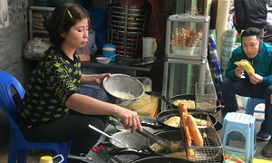 10 Hanoi food shops that don't need a name to be famous