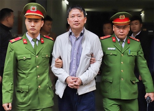 Vietnam jails former oil executives in graft case