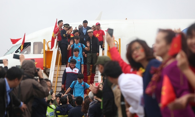 Vietnamese airline in PR crisis after bikini party for U23 football team