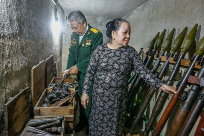 Dang Thi Thiep (F) in a tunnel she and her husband built to hide weapons for the Tet Offensive in Saigon in 1968. Photo by VnExpress/Thanh Nguyen