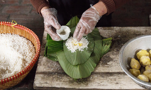 Hanoi village greens up for the indispensable traditional Tet treat