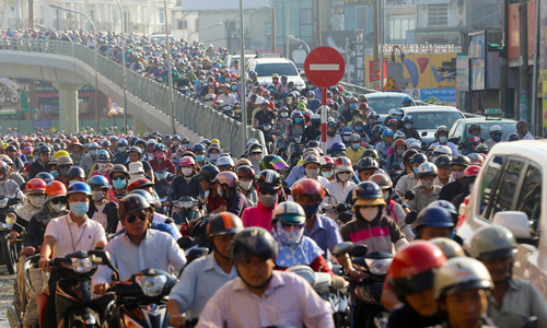 Police told to spend more time patrolling streets during Vietnam's biggest holiday