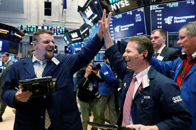 Wall Street roars back, traders eye volatility ahead