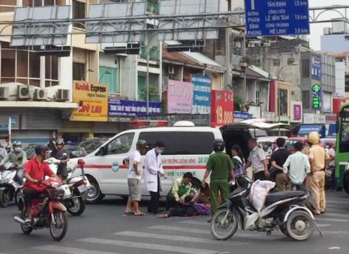 Accident blocks roads to Vietnam's biggest airport for over an hour