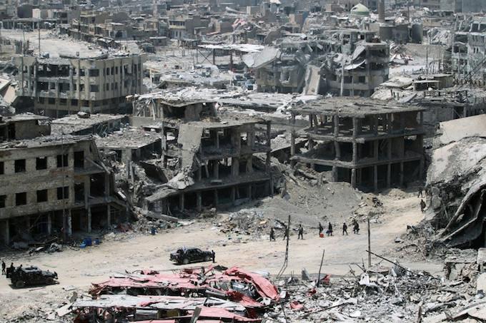 Devastated Iraq seeks $90 billion for reconstruction