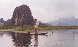 Vietnam looks like an entire different kingdom in these 1990s photos
