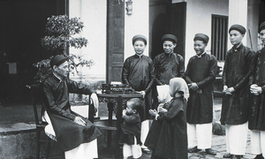 A journey through time: Old photos of Tet in Hanoi 90 years ago