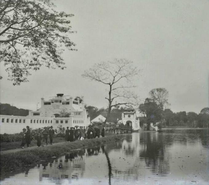 Ngoc Son Pagoda in Tet 1928.