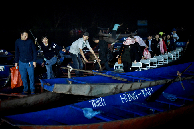 Ticket costs VND120,000-150,000 ($5-7) per person depending on the quality of the boat.