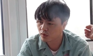 Vietnamese father beats doctors after being banned from filming wife giving birth