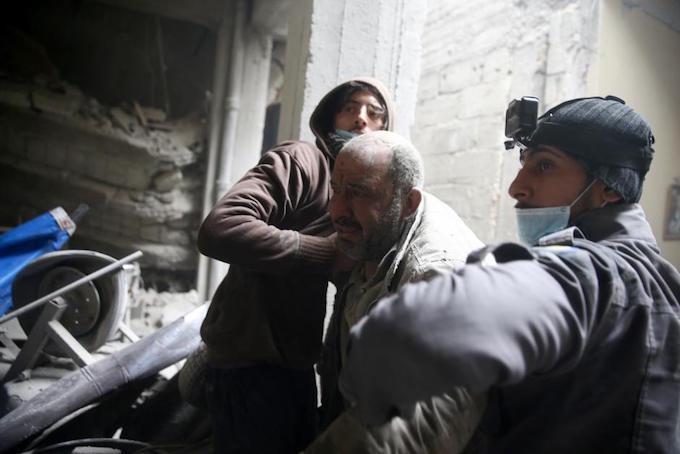 Air strikes again hit Syria's Ghouta, UN considers ceasefire resolution