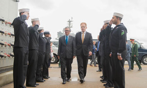 Vietnamese ambassador to the US visits aircraft carrier in Virginia